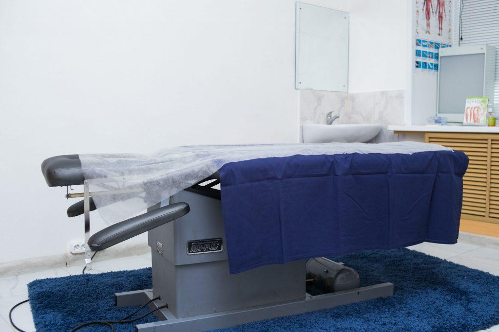 Стол для проведения мануальной терапии