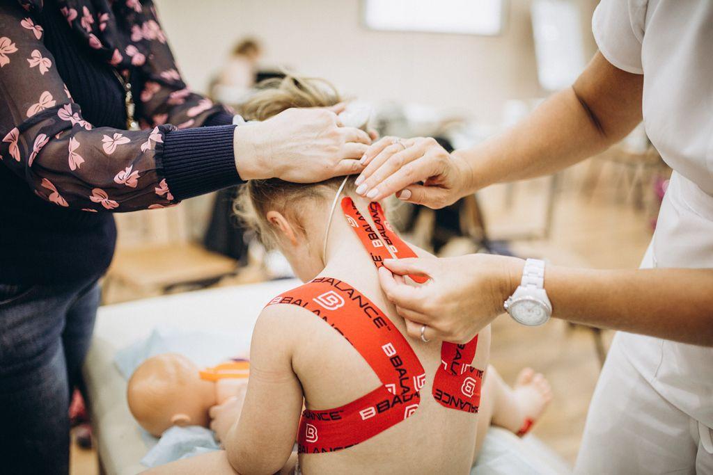 Кинезиотерапия при сколиозе у детей
