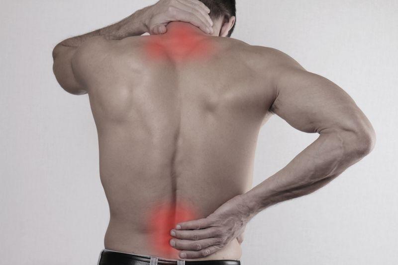 Почему болит спина после сна, утренняя боль в спине ...