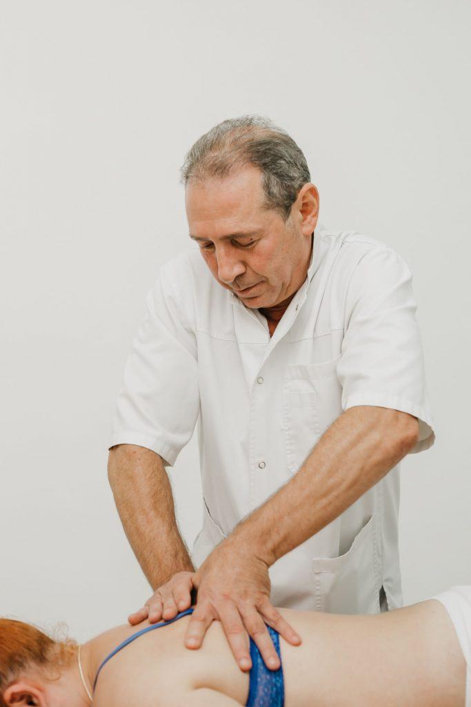 Мануальная терапия грудного отдела позвоночника