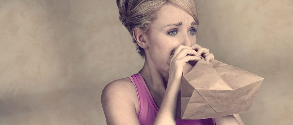 Дыхание в бумажный пакет